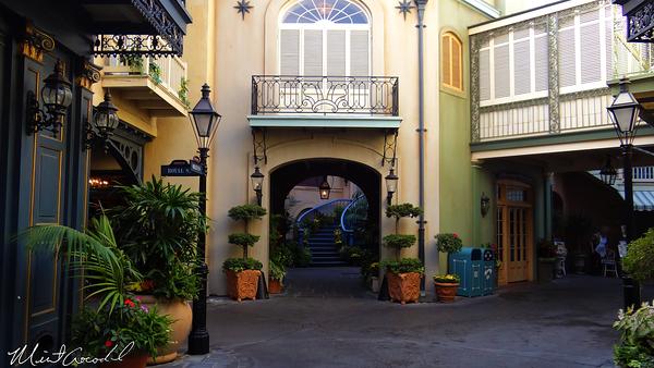 Disneyland Resort, Disneyland, New Orleans Square, Court of Angels, Court de Anges