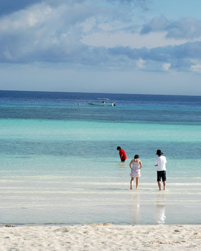 Garandee family beach