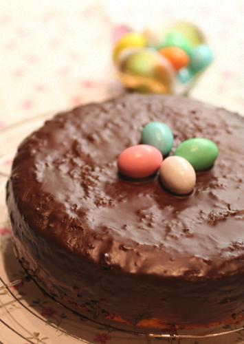Torta al cioccolato bianco e cioccolato fondente
