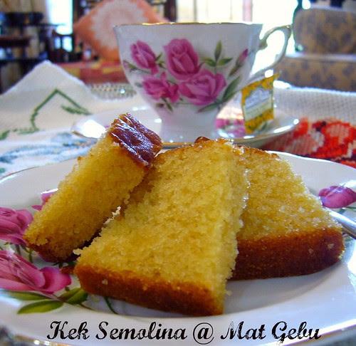 Kek Semolina