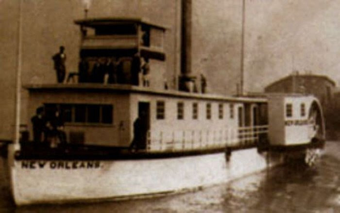 1911 replica of Steamboat New Orleans