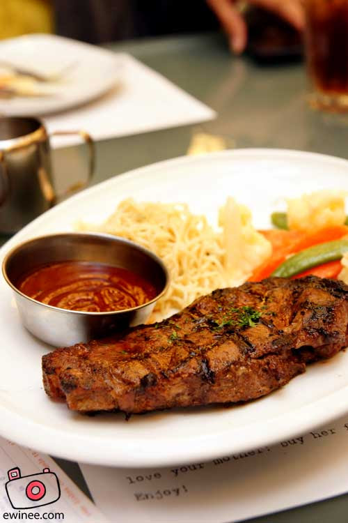 Food-Kitchen-Creatures-Centerpoint-Steak