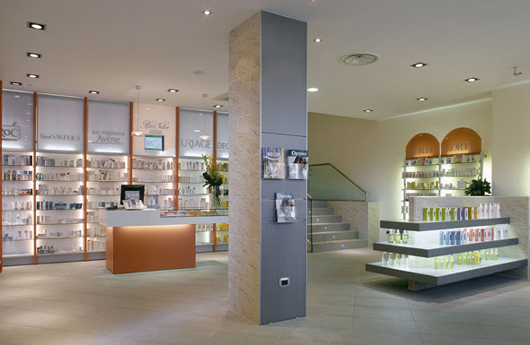 Pharmacy interior design in Frosinone - the pharmacy of Dr Maria