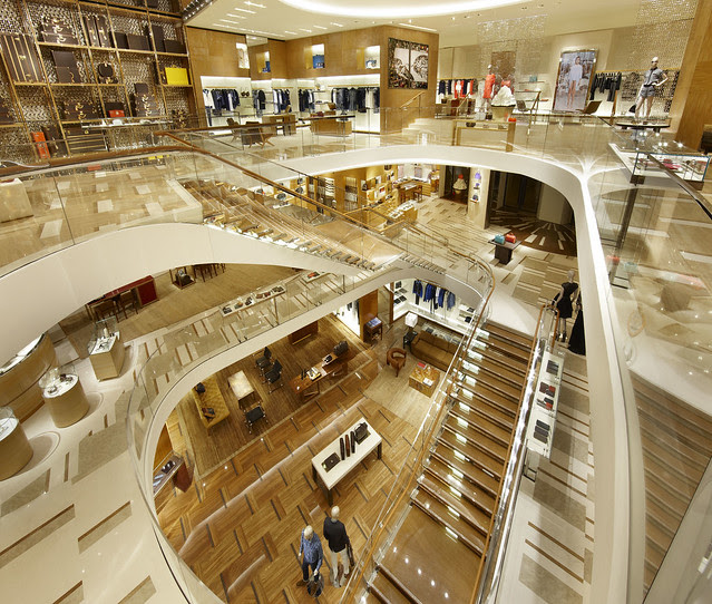 LV_01 2012_Roma_Store_010