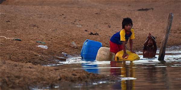 Foso de agua en una ranchería a las afueras de Uribía (Guajira).