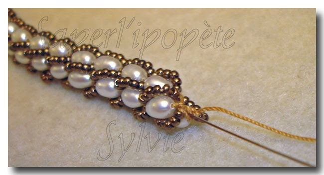 Turkish crochet tutorial (French) with size 11s and pearls.  #seed #bead #tutorial