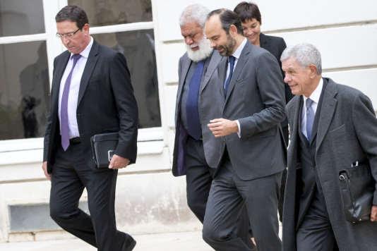 Philippe Gomès, Paul Néaoutyine , Edouard Philippe, Annick Girardin et Pierre Frogier, lors de la réunion des signataires de l'accord de Nouméa, Paris, jeudi 2 novembre.