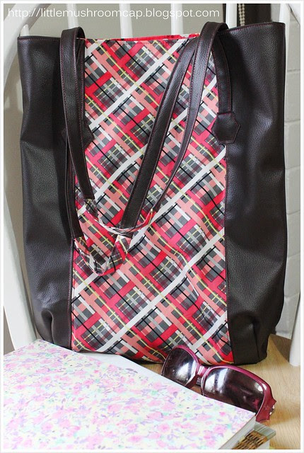 Tutorial tote bag using faux leather and quiting cotton_ how to sew faux leather_whole  img