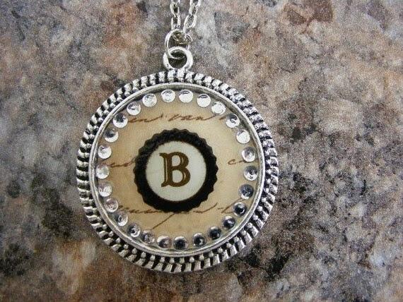 B initial pendant