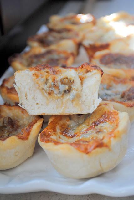 cestini di pane con gorgonzola e noci 007
