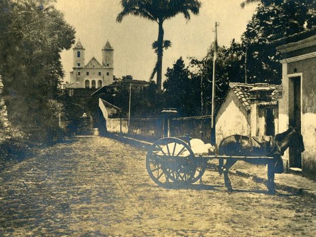 Ladeira da Barra em imagem antiga (Foto: Arquivo Municipal/Fundação Gregório de Matos)