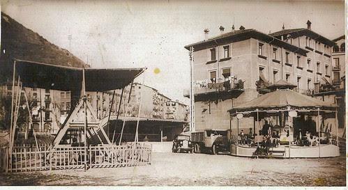 Barques i carrusel a Ripoll