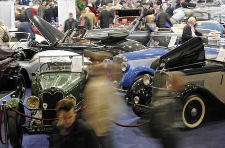 Feira internacional de automóveis Techno-Classica em Essen, na Alemanha