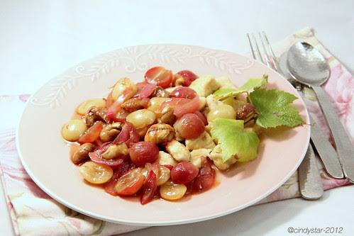 pollo in agrodolce con cipolle uva castagne