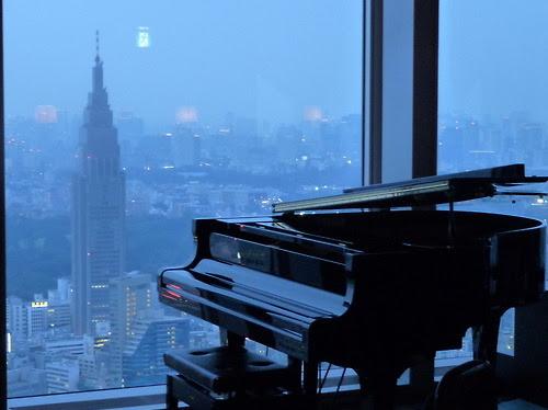 city, lifestyle, night lights, piano, skyline