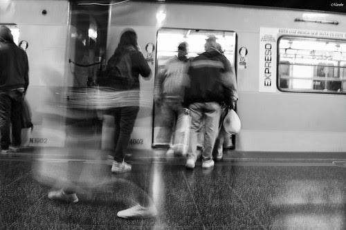 Toda pasa poco queda... by Alejandro Bonilla