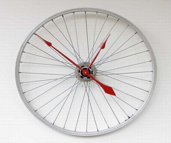 10 Creative wall clocks made using recycled materials – Green ...