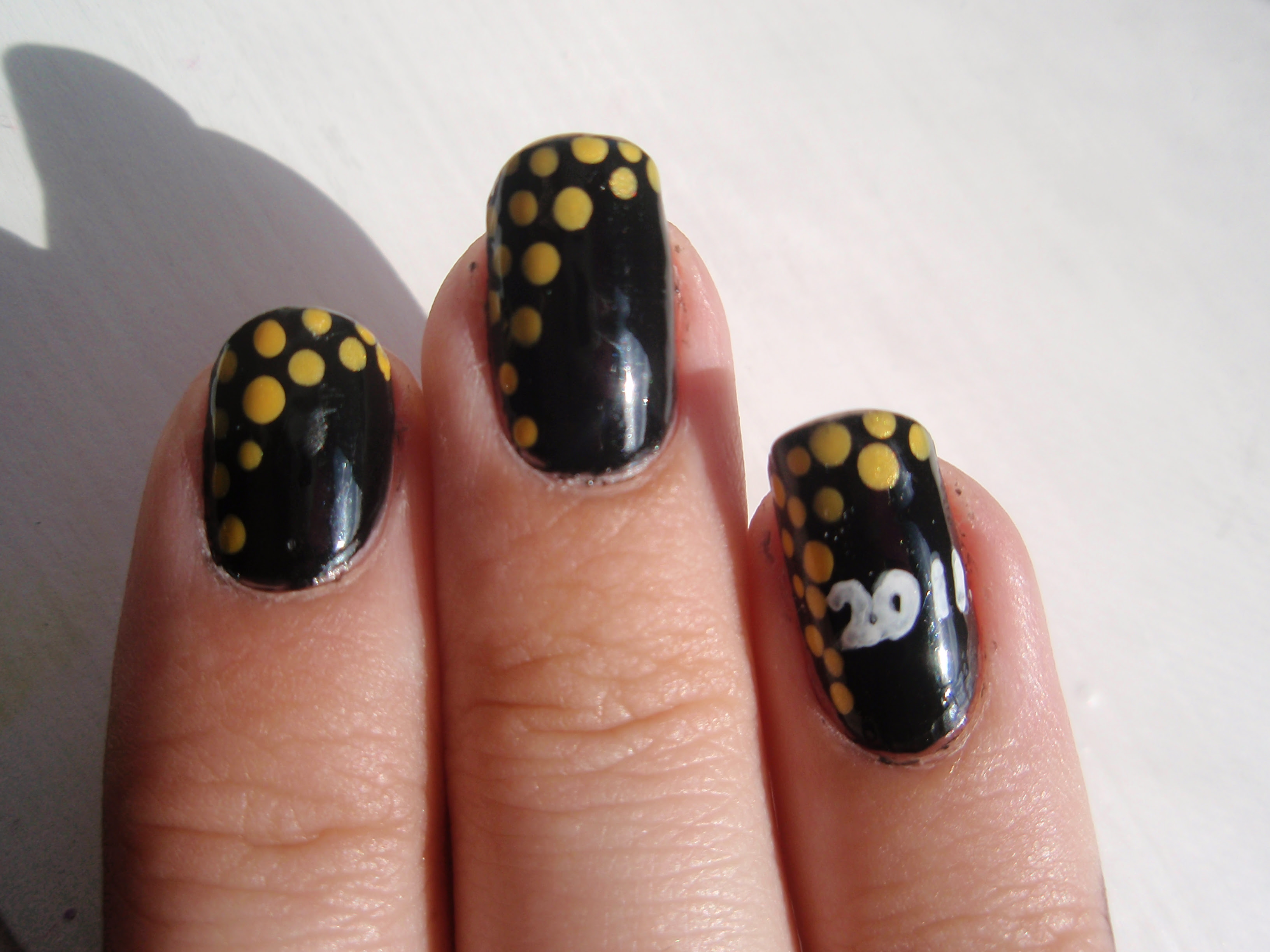 Lin's Lacquer: Black With Yellow Dots