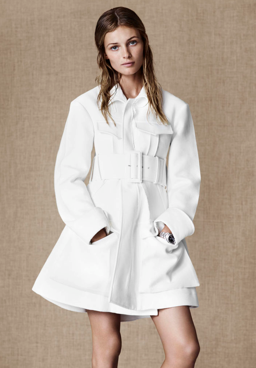 ANTIDOTE WHITE EDITORIAL WHITE BELTED TRENCH COAT SIMPLE HAIR SILVER JEWELRY WATCH WHITE LEATHER LACE UP BOOTS  NATURAL BEAUTY Edita Vilkeviciute 5