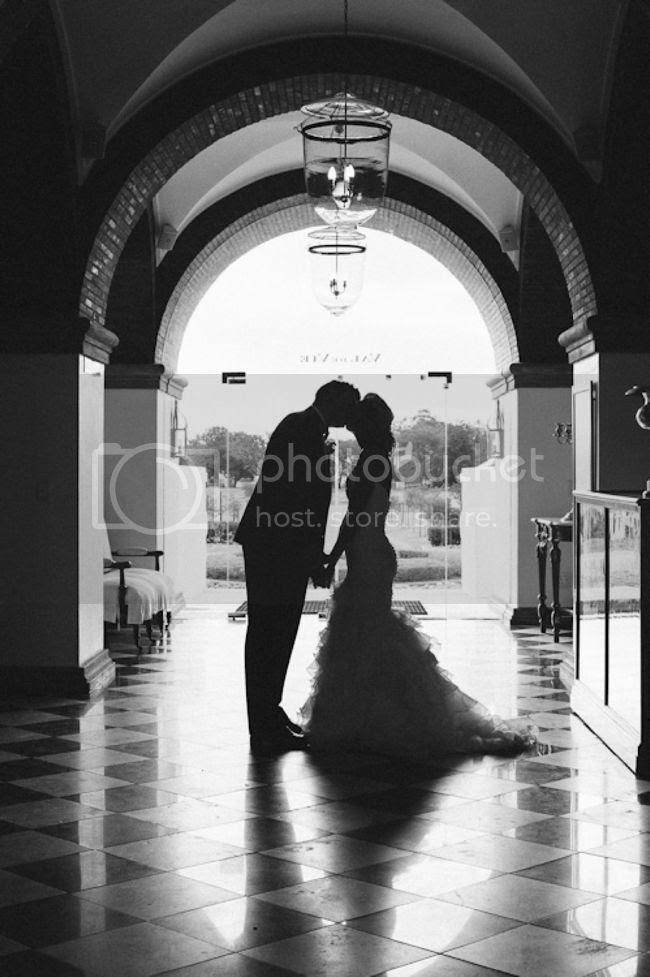 http://i892.photobucket.com/albums/ac125/lovemademedoit/welovepictures/ValDeVie_Wedding_036.jpg?t=1338384340