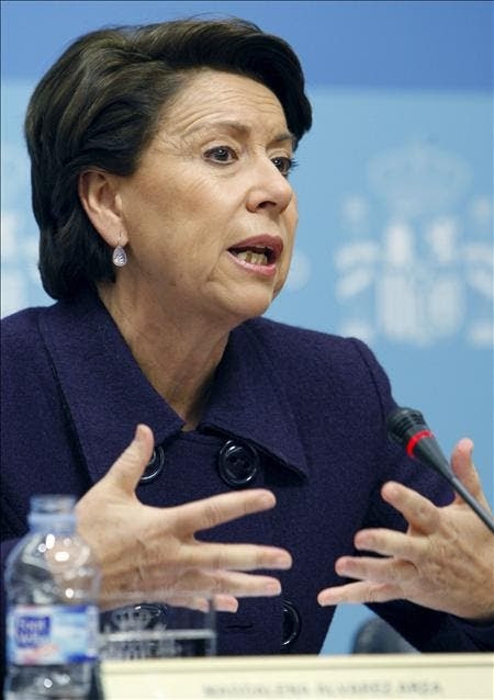 La ministra de Fomento, Magdalena Álvarez, durante la rueda de prensa ofrecida ayer