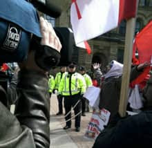 Tamil demonstrators continued their protest Thursday morning, shutting down a portion of Ottawa's Wellington Street.