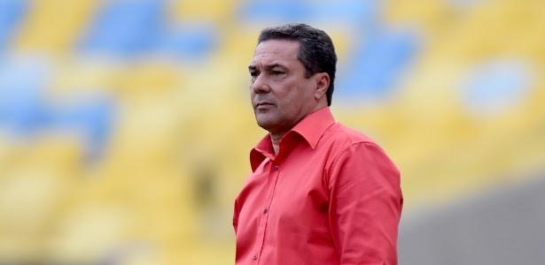 Vanderlei Luxemburgo tenta mais uma vitória no comando do Flamengo