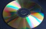 Imagem de um CD de policarbonato.