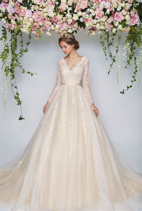 Pin by M.J. Phillips on Wedding Gowns   Wedding dresses