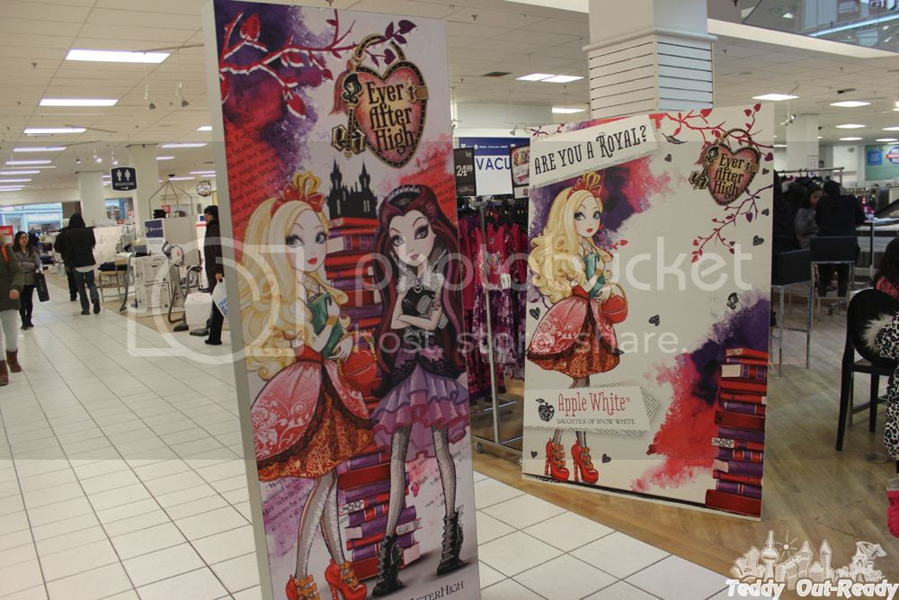 Ever After High Displays