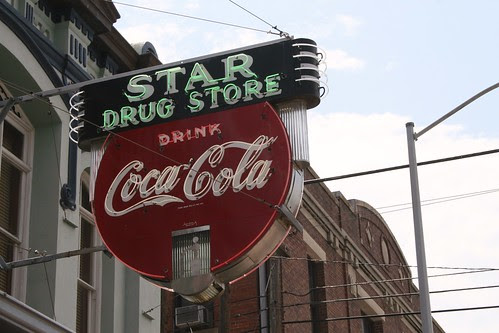 star drug store neon sign