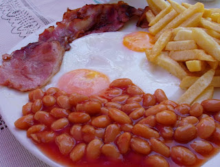 Egg, Bacon, Chips and Beans at Pineapple Guesthouse