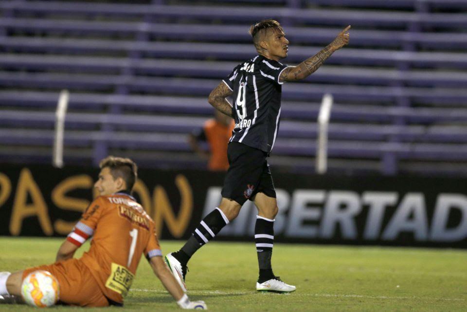 Guerrero marcou seu 47º gol pelo Timão e se tornou o artilheiro estrangeiro do clube - Andres Stapff/Reuters