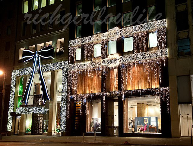 Fendi xmas display ©2010