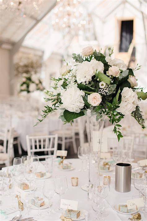 20 Truly Stunning Tall Wedding Centrepieces   Wedding