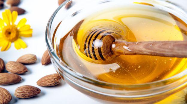 Eight Amazing Benefits of Honey