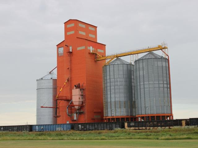 Pioneer grain elevator in Morse SK