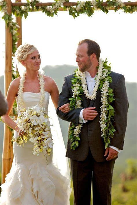 Hawaiian Wedding by Toby Hoogs Photography   Wedding