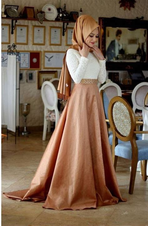 Online Shop A line With Hijab White and Pink Velvet