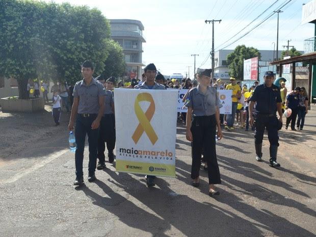 Caminhada do Maio Amarelo em Cacoal, RO (Foto: Magda Oliveira/G1)