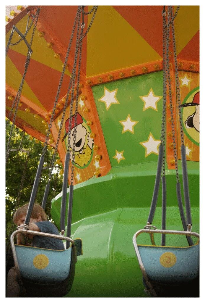 snoopy peanuts carousel