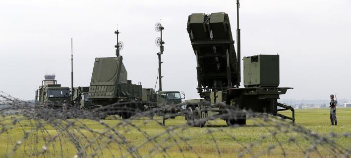 Μέλη του ιαπωνικού στρατού εκπαιδεύονται στη χρήση πυραύλων Patriot Advanced Capability-3 (Φωτογραφία: ΑP)