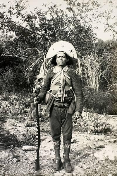Canário: perneiras em ação, 1936