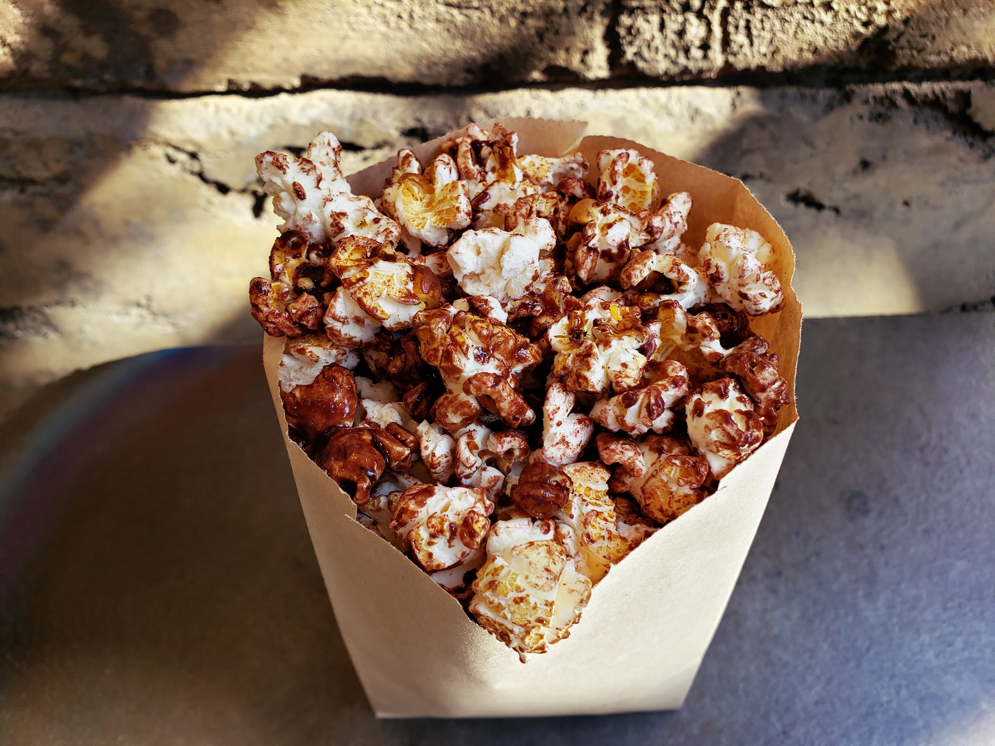 Star Wars: Galaxy's Edge - Chocolate Popcorn Review | Anakin and His Angel