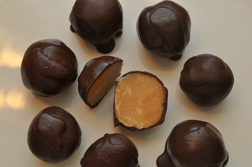 Peanut-Butter-Truffles-Holiday-Gift