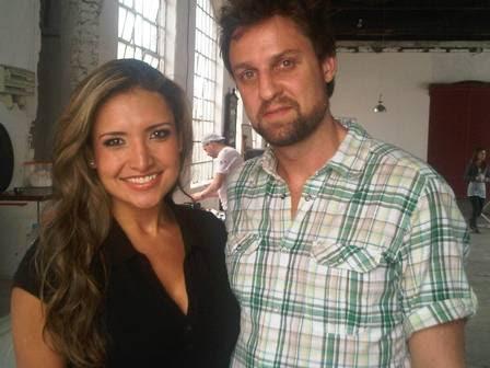 Natalia posa com o fotógrafo Daniel Aratangy