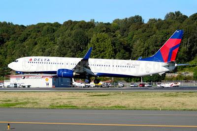 Delta Air Lines Boeing 737-932 ER WL N801DZ (msn 31912) BFI (Joe G. Walker). Image: 913618.