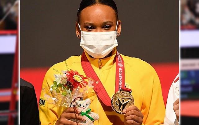 Rebeca Andrade faze história e conquista ouro e prata no mundial