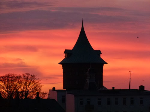 Sonnenaufgang über dem Wasserturm