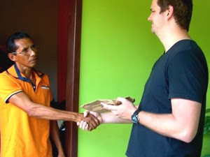 Após achar envelope, desempregado procurou descobrir endereço de empresário (Foto: Fernando Pereira/ Arquivo Pessoal)